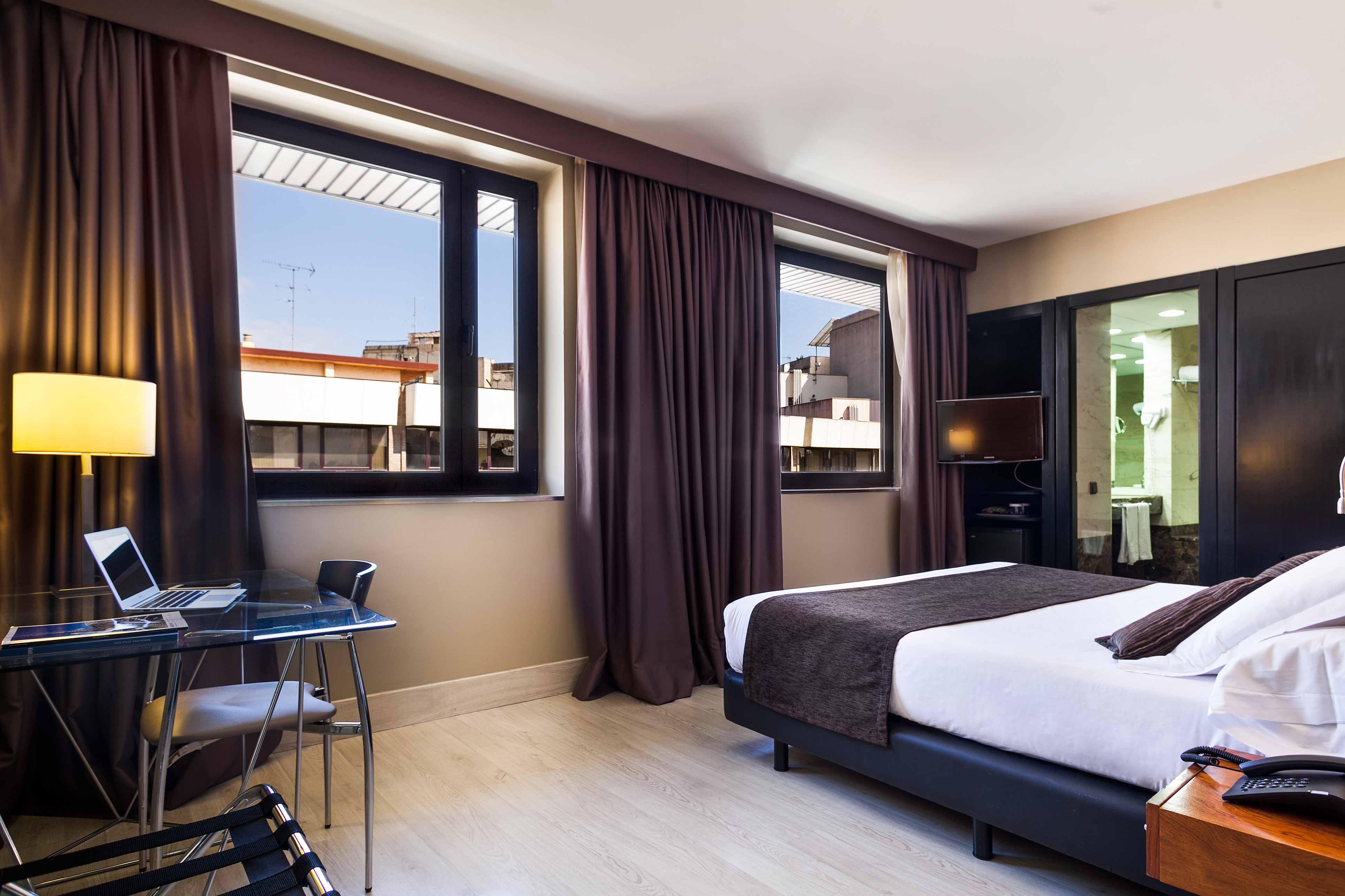 Hotel acta city47 hotel en la estaci n de sants de barcelona for Hoteles barcelona habitaciones cuadruples