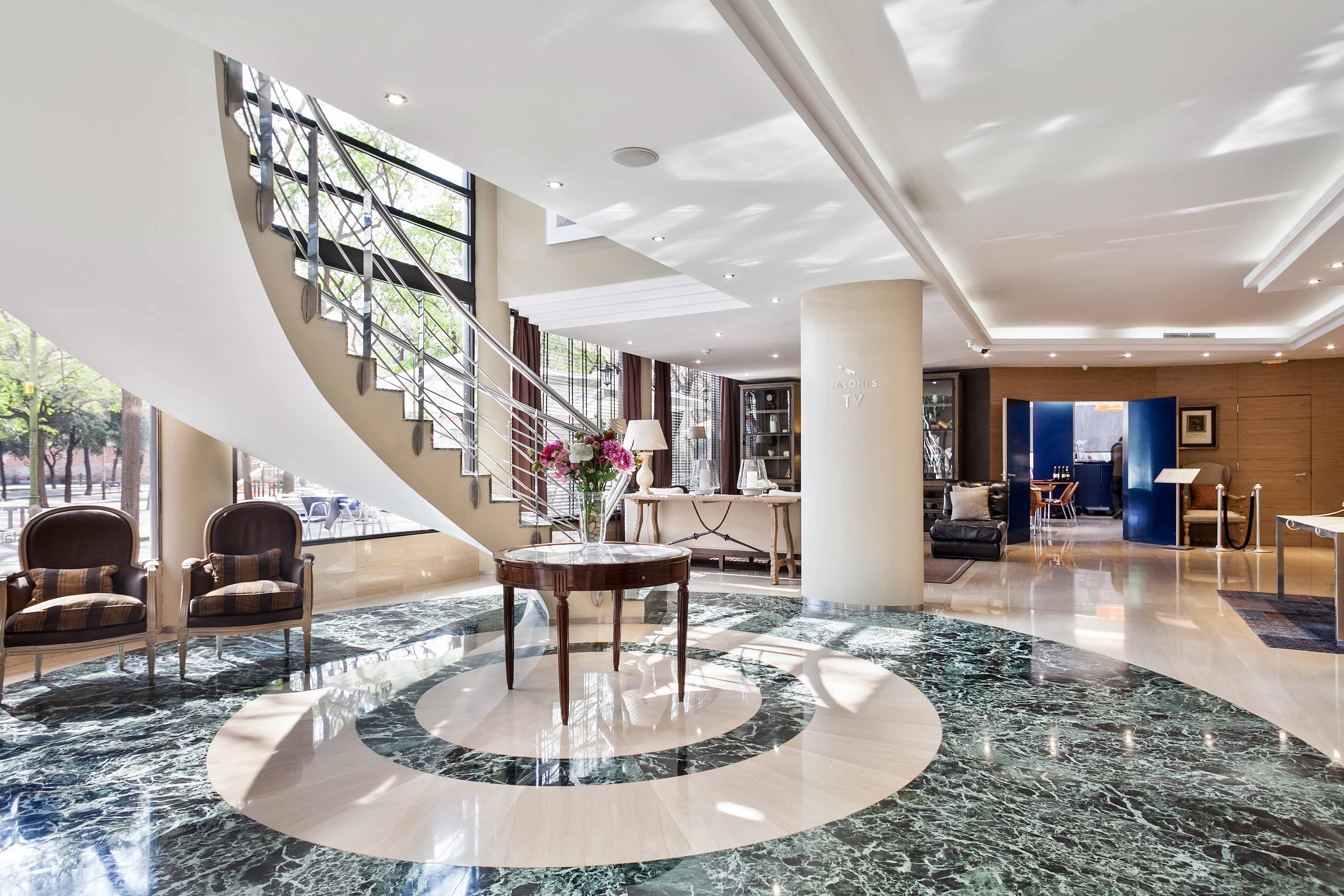 Hotel_city_salón_entrada_01